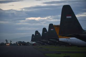 Aerei C-130 in Indonesia (BAY ISMOYO/AFP/Getty Images)