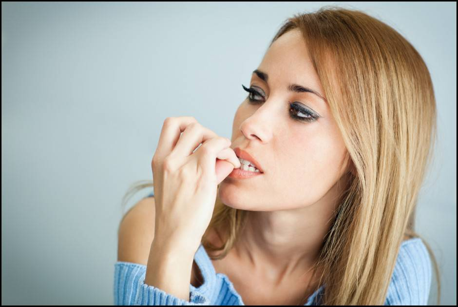 Mangiarsi le unghie: ecco cosa rivela sulla tua personalità