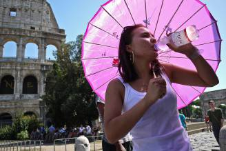 Caldo a Roma (ANDREAS SOLARO/AFP/Getty Images)
