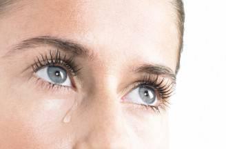 Donna che piange (Thinkstock)