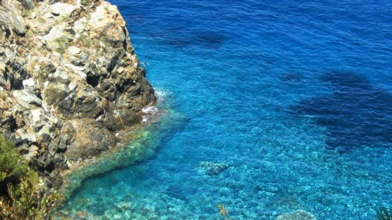Isola d'Elba, Punta Polveraia (Foto di Ferpint, Wikicommons. Licenza CC BY-SA 4.0)