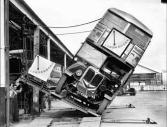 Collaudo dei bus a due piani di Londra