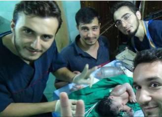 Bambina operata ad Aleppo (Foto web)