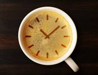Orologio nel caffè (Thinkstock)
