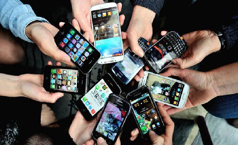 Gli smartphone che provocano più radiazioni: ecco la classifica dei più dannosi - VIDEO