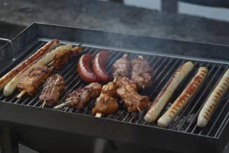 Carne rossa e salsicce (Pixabay)