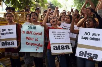 Proteste contro gli stupri in India (SAJJAD HUSSAIN/AFP/Getty Images)