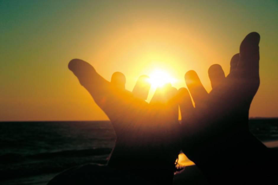 07-Due-mani-in-preghiera