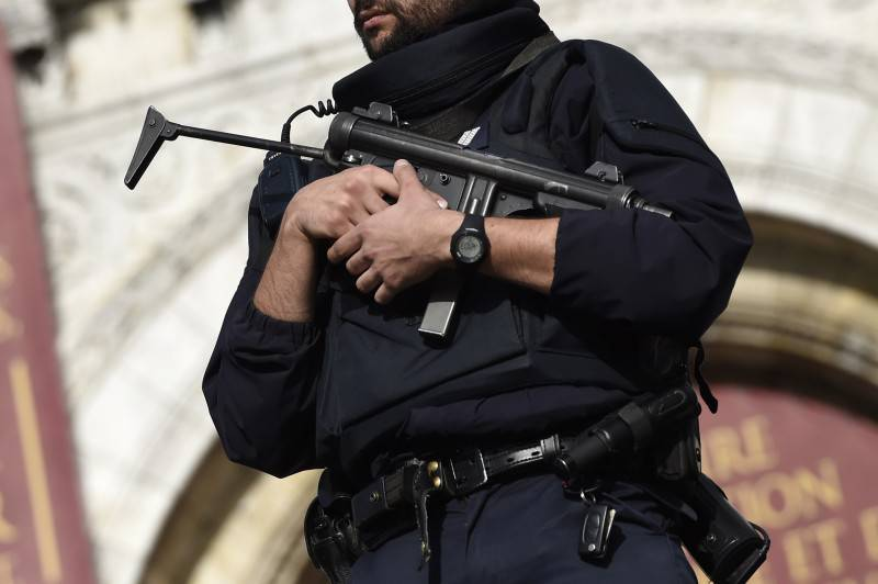 Polizia francese (MIGUEL MEDINA/AFP/Getty Images)
