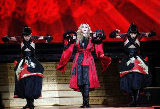 Madonna in concerto a Parigi (Getty Images)