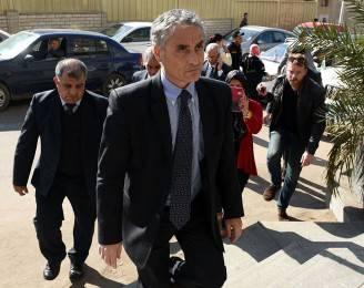 L'Ambasciatore italiano in Egitto Maurizio Massari, all'obitorio dove si trova il corpo di Giulio Regeni (MOHAMED EL-SHAHED/AFP/Getty Images)