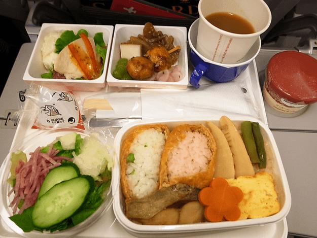 Japan Airlines (Flickr: ginkgraph)