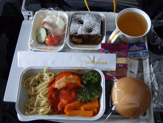 Lufthansa (Flickr: chinaoffseason)
