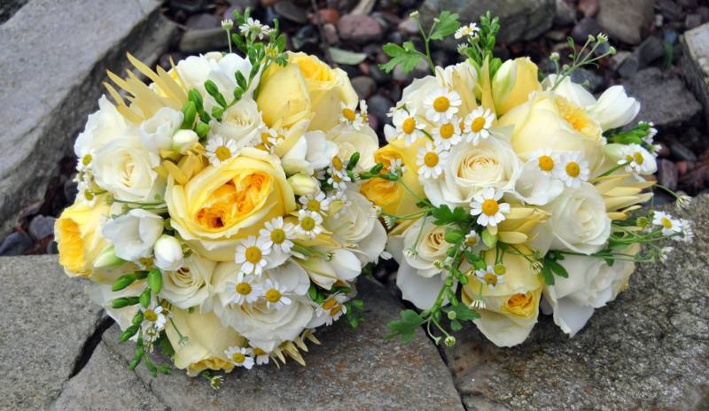 matrimonio-bianco-giallo-bouquet-03