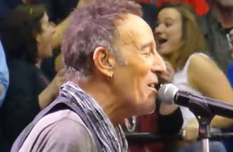 Bruce Springsteen (Screenshot)