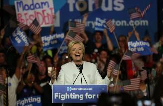 Hillary Clinton dopo la vittoria al Super Tuesday (Photo by Joe Raedle/Getty Images)