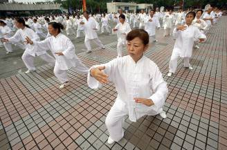 Tai Chi (LIU JIN/AFP/Getty Images)