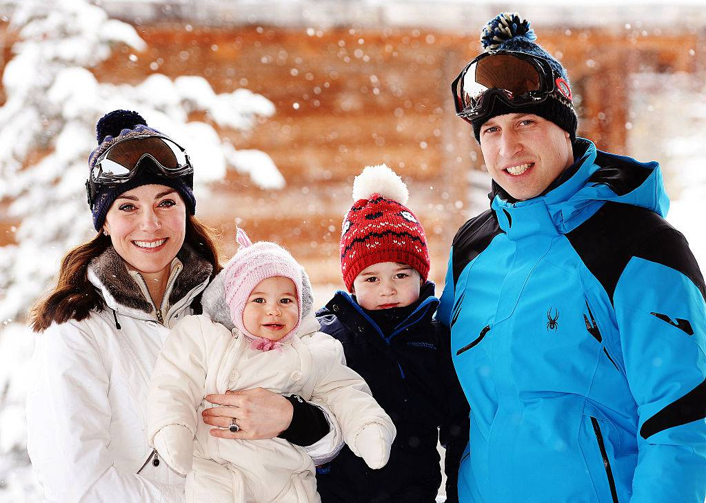 Kate, Charlotte, George e William (JOHN STILLWELL/AFP/Getty Images)