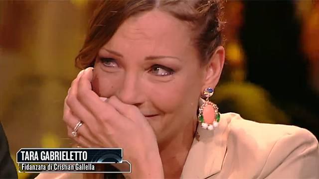 ISOLA FAMOSI CHOC: Tara bacia Daniele, il fidanzato di Grazia de Torres?