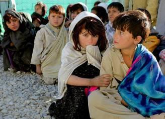 Bambini poveri in Afghanistan (Pixabay)