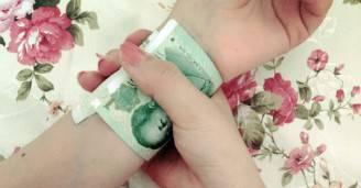moda social banconota polso