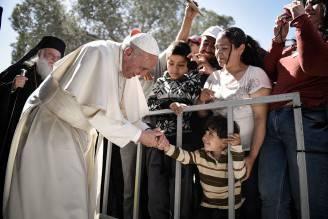 Papa Francesco a Lesbo (Andrea Bonetti/Greek Prime Minister's Office via Getty Images)