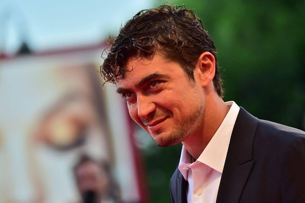 Riccardo Scamarcio è diventato papà: fiocco rosa per l'attore