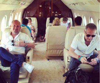 Paolo Bonolis in aereo privato (Foto Instagram)