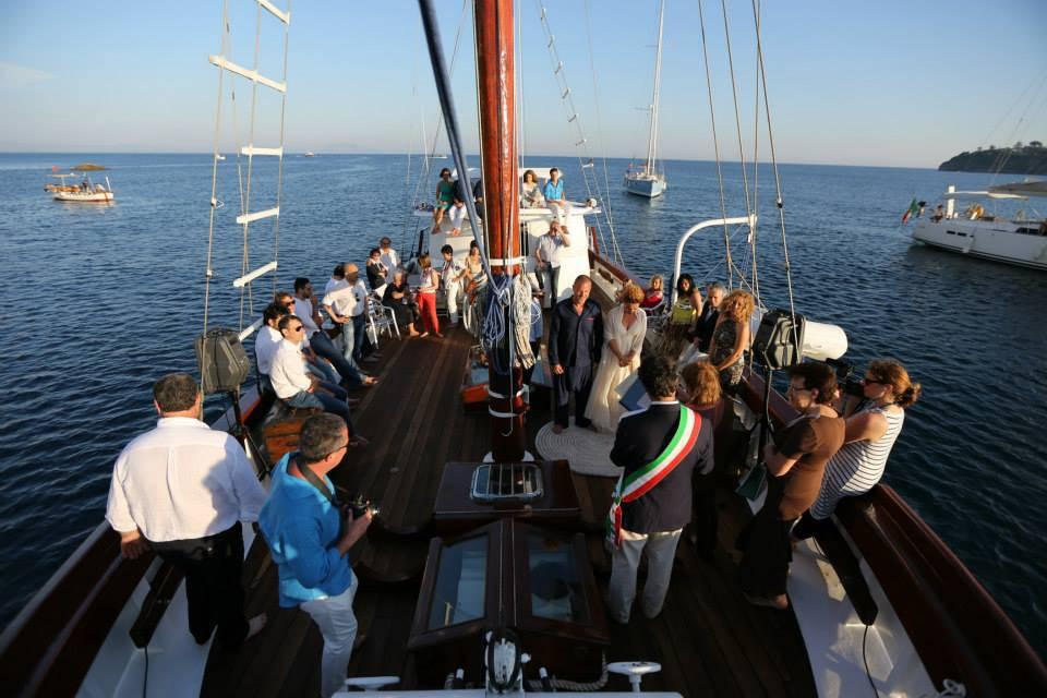 Matrimonio In Barca : Matrimonio tema navy sposarsi in barca a vela un idea