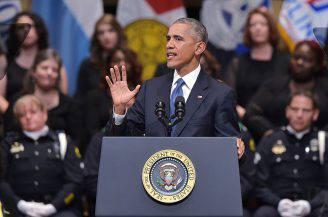 Obama al funerale degli agenti uccisi a Dallas (AFP/Getty Images)