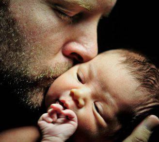papà e neonato2