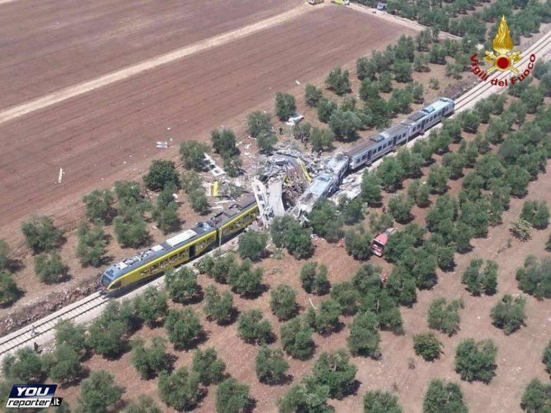 Scontro tra treni in Puglia, 12 luglio 2016 (Foto Vigili del Fuoco YouReporter.it)