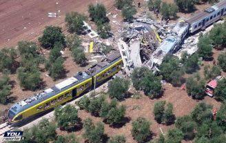 Scontro tra treni in Puglia, 12 luglio 2016 (Foto YouReporter.it)
