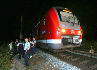 Aggressione con l'accetta in un treno in Germania, 18 luglio 2016 (KARL-JOSEF HILDENBRAND/AFP/Getty Images)