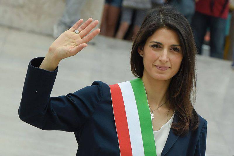 Virginia Raggi, videomessaggio del Sindaco al funerale di Gigi Proietti (Getty Images)