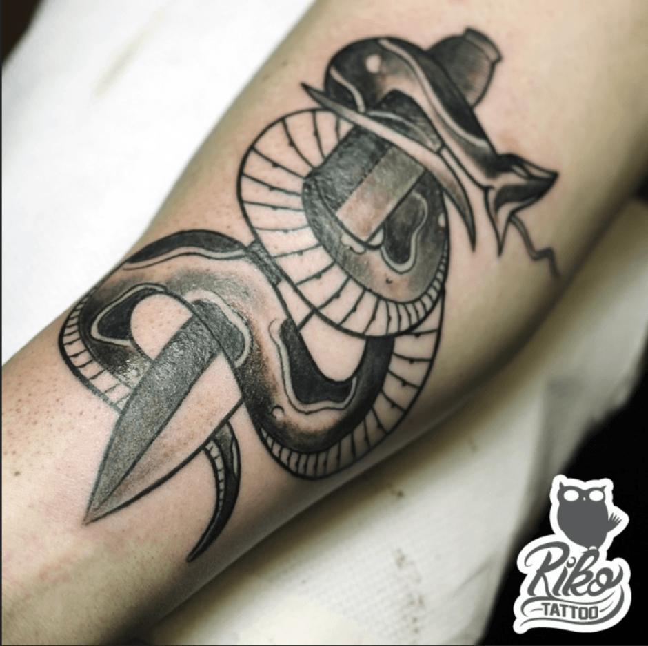 pugnale tattoo riko
