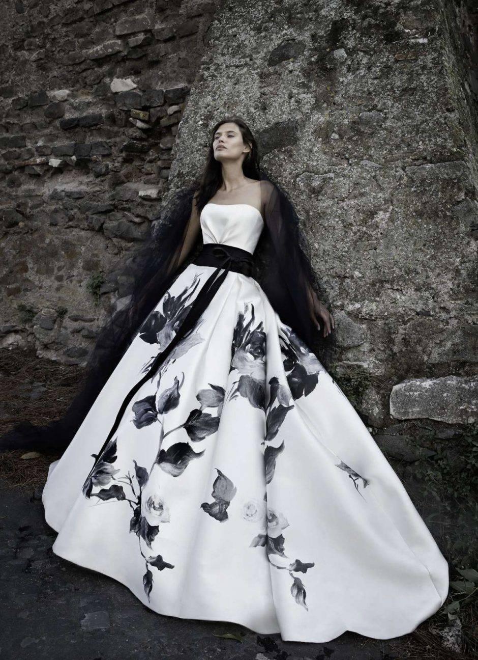 Vestiti Da Sposa Neri.La Sposa In Nero In Una Romantica Foto Gallery