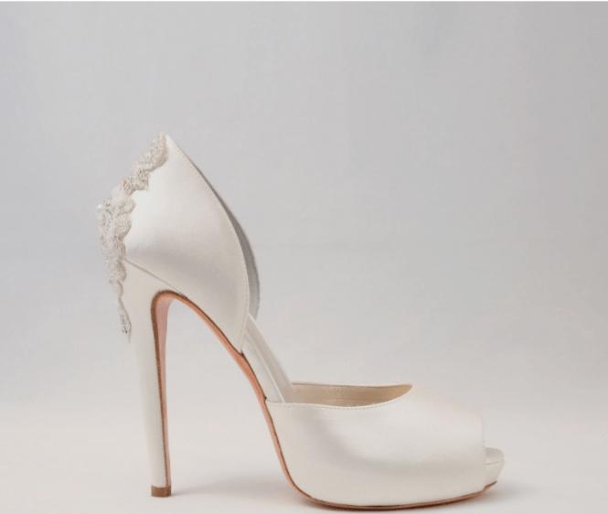 risparmia fino all'80% Los Angeles Buoni prezzi Le scarpe da sposa di Alessandra rinaudo in una romantica ...