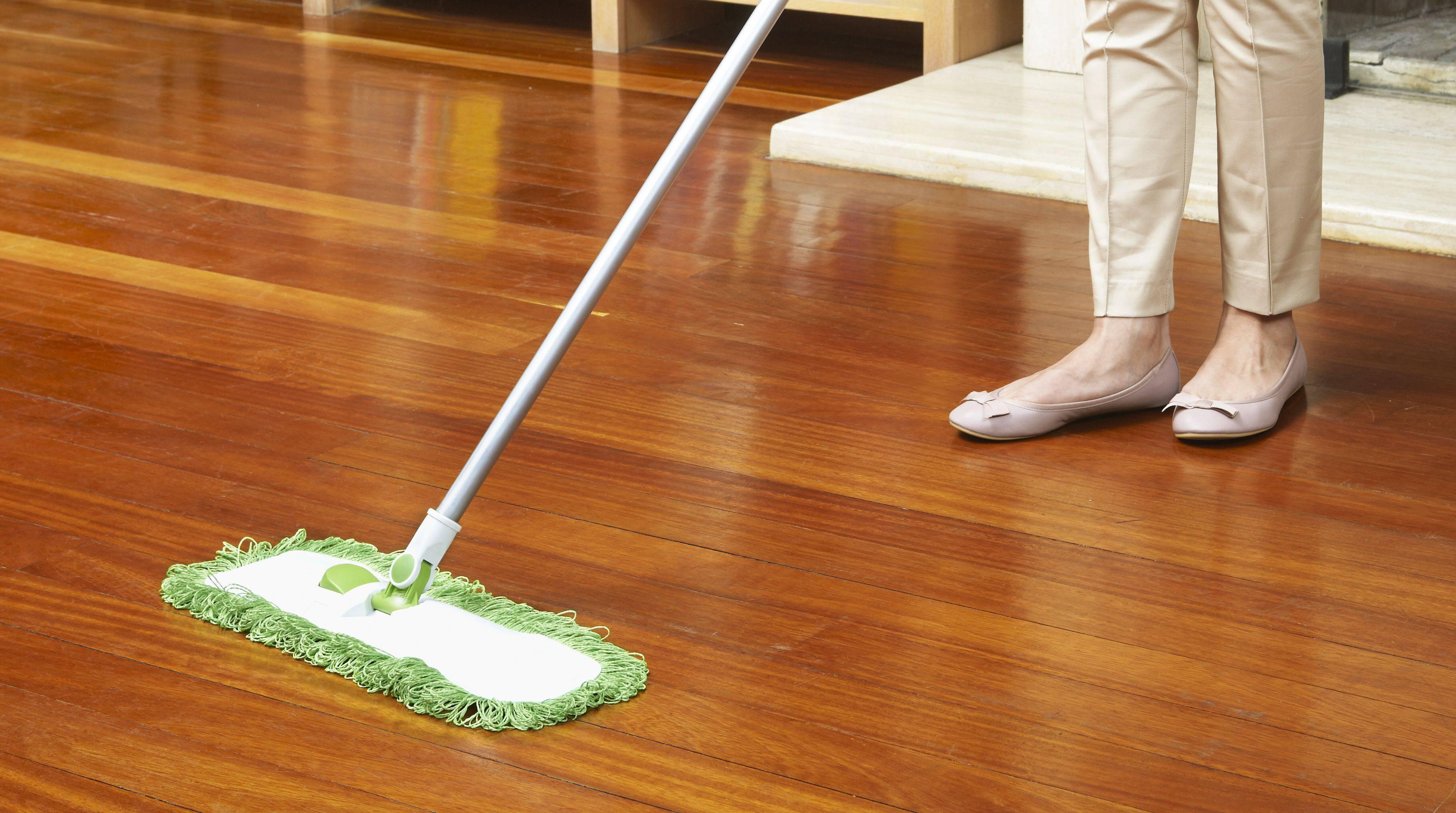 Ecco alcuni rimedi naturali per pulire e rendere lucido il for Pulire parquet