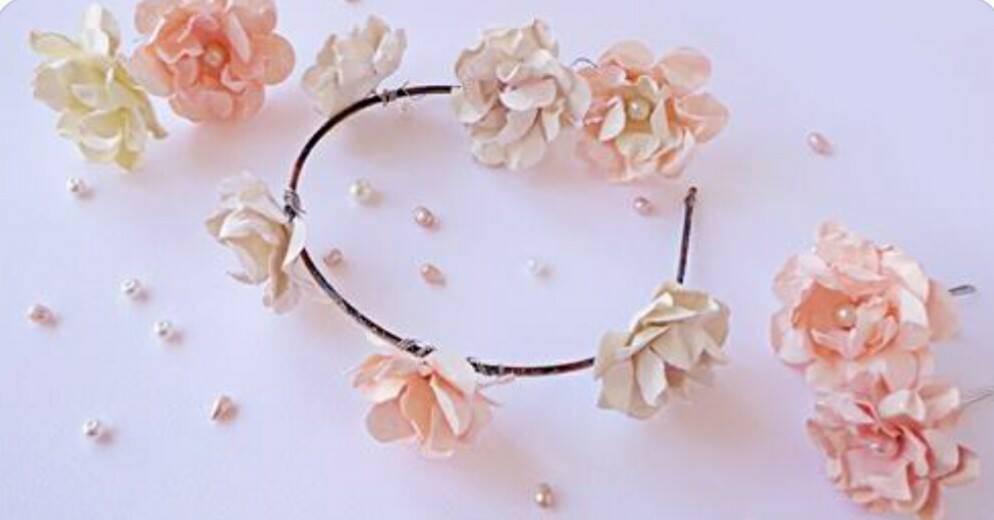prezzo speciale per prezzo interessante data di rilascio: Matrimonio fai da te: coroncine con fiori di carta