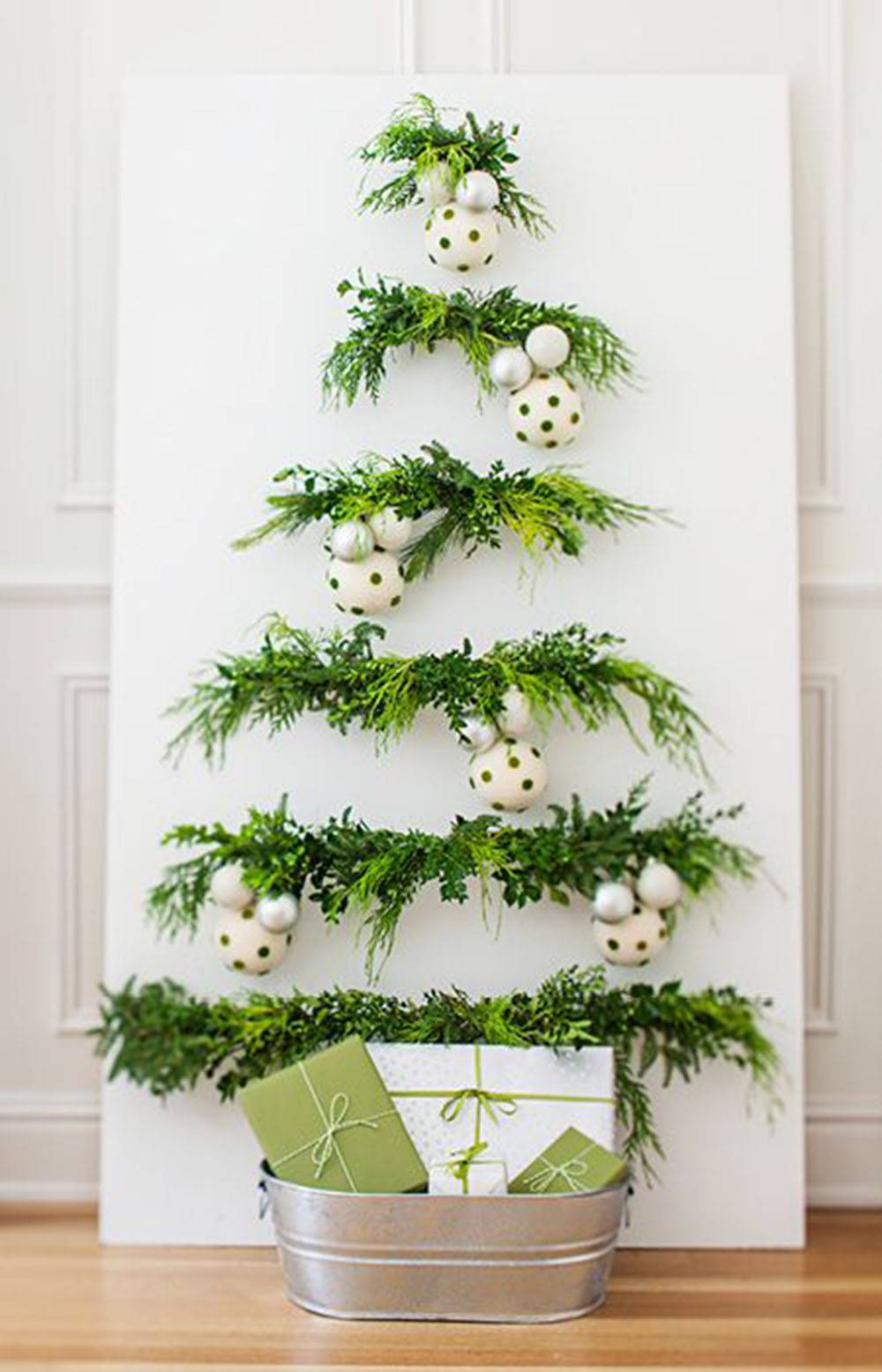Natale 2018, alberi di Natale fai da te tante idee per produrre un albero  \u0027home,made\u0027 senza sprechi e senza spendere tanto