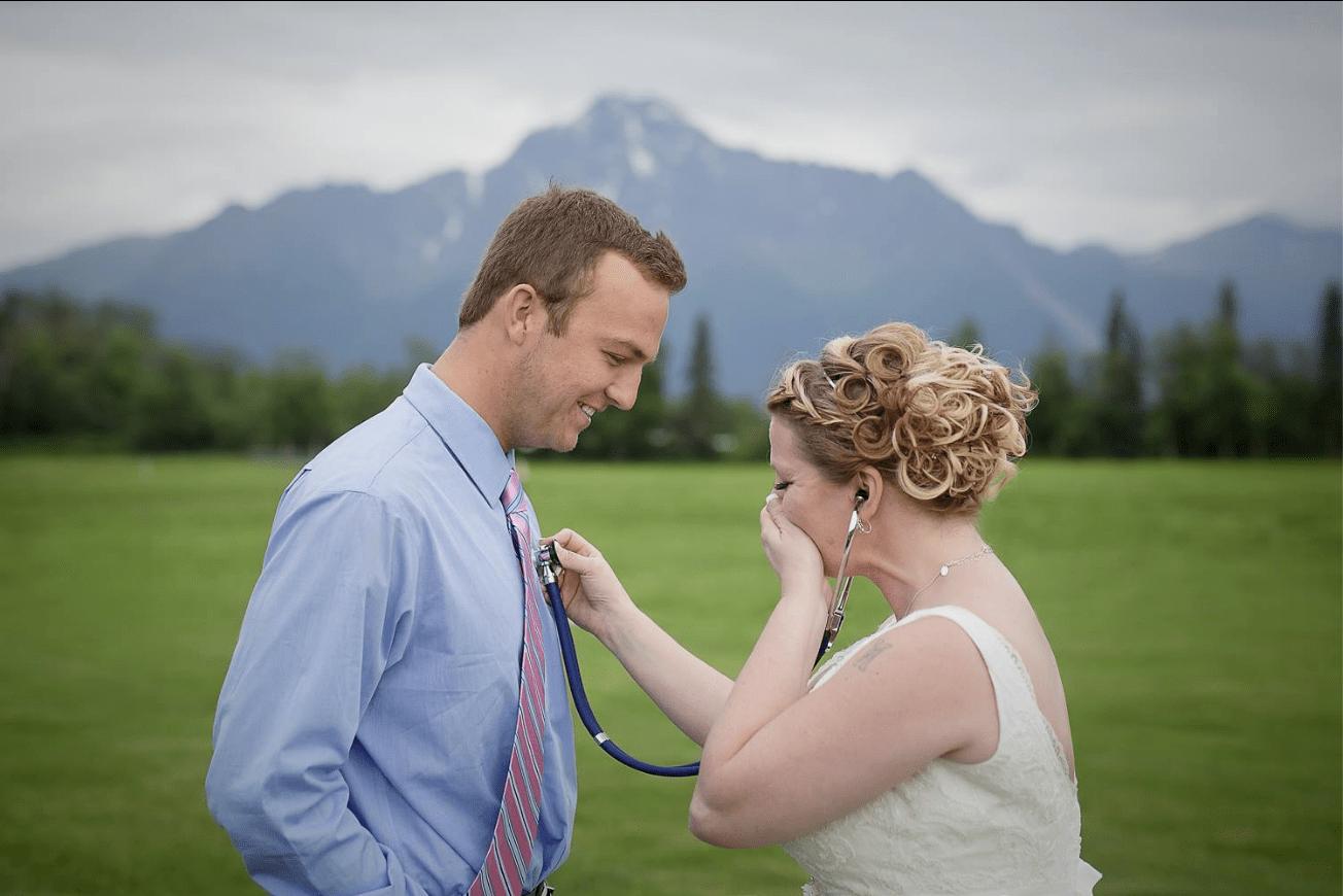 Matrimonio Con Uomo Con Figli : Luomo vivo grazie al cuore del figlio è al matrimonio: un dono per