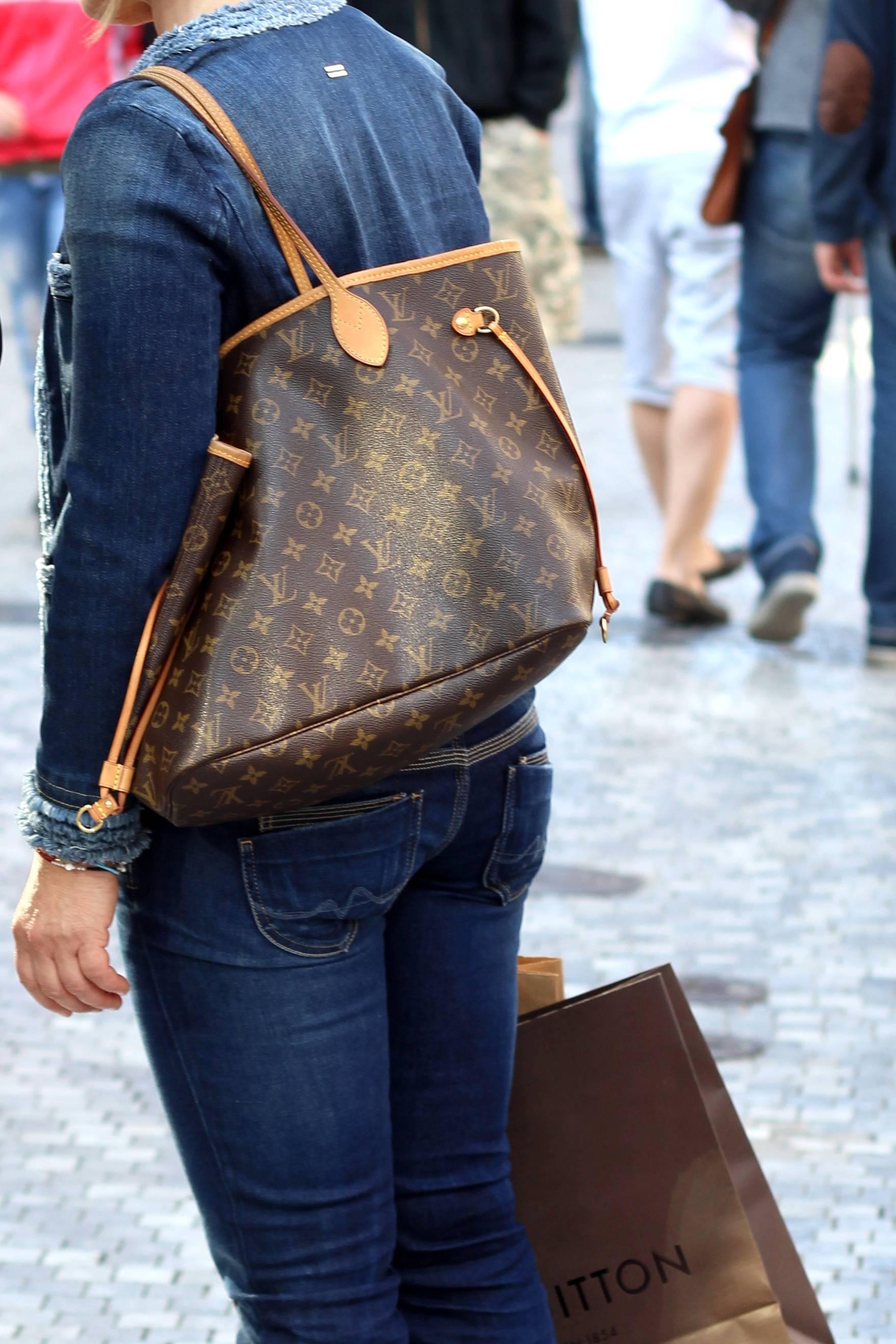 f1b83c9cfa Louis Vuitton: 5 curiosità sulla sua borsa più famosa, la Neverfull