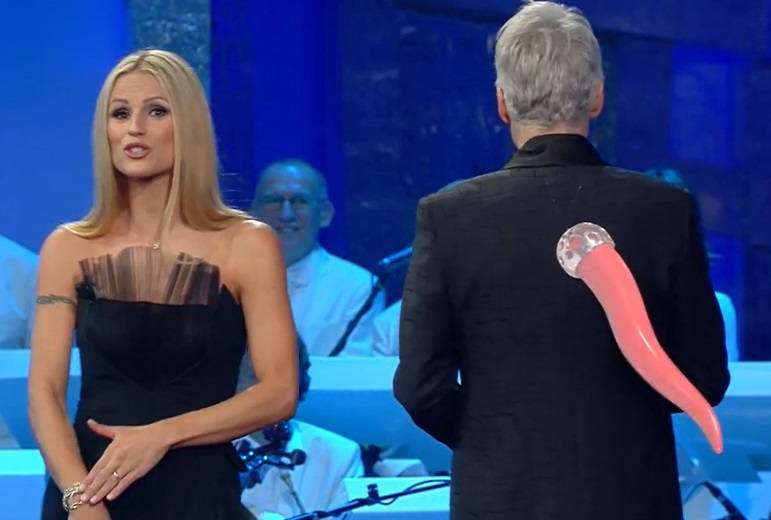 https://www.chedonna.it/wp-content/uploads/2018/02/sanremo-2018-seconda-serata-1.jpg