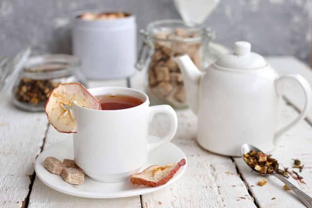 tè e motivi per cui fa bene