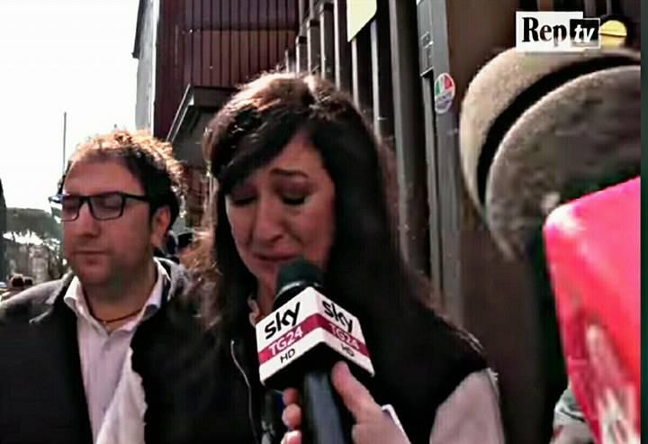 Fabrizio Frizzi: Emanuela Aureli in lacrime
