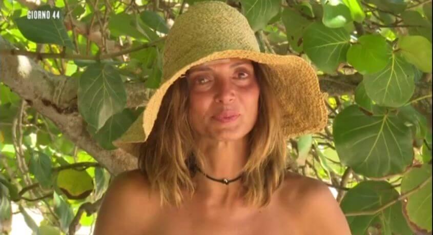 Alessia-Mancini-piange-all'isola dei famosi