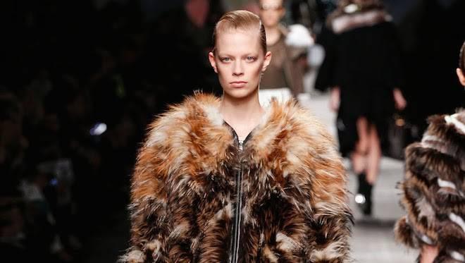 Stop alle pellicce: anche Versace e Furla dicono sì