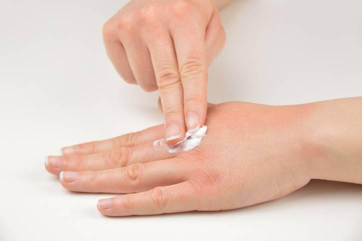 Come ripristinare la pelle delle gambe dopo lepilatore