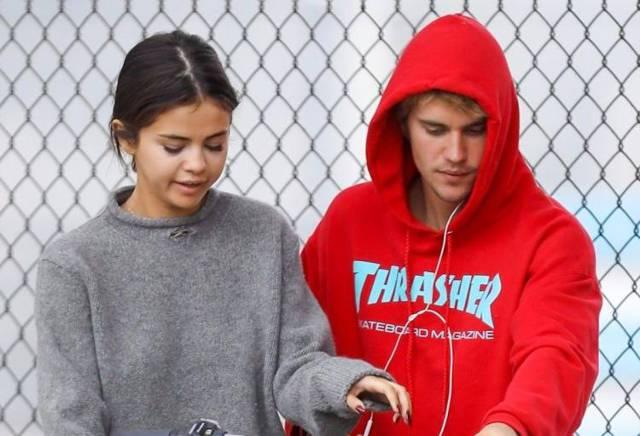 bacio tra Justin Bieber e Selena Gomez